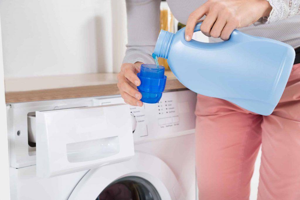 ¿Los detergentes obstruyen las tuberías?